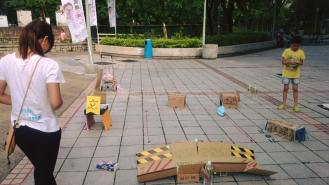 能與人互動的街站,小朋友會來玩。