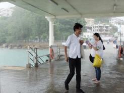 南丫島和梅窩都落大雨,今天的離島行程都由居民自行安排。