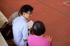 冼小姐(童軍領袖):每次來到進行活動都需要先進行清潔,有時又有排泄物、有針筒垃圾等,衞生情況十分差劣。(位置:長康二期商場三樓)